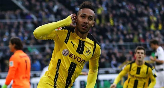 "<a class=""link rapid-noclick-resp"" href=""/soccer/players/pierre-emerick-aubameyang/"" data-ylk=""slk:Pierre-Emerick Aubameyang"">Pierre-Emerick Aubameyang</a> might head to China for a big payday. And there's nothing wrong with that. (Getty)"
