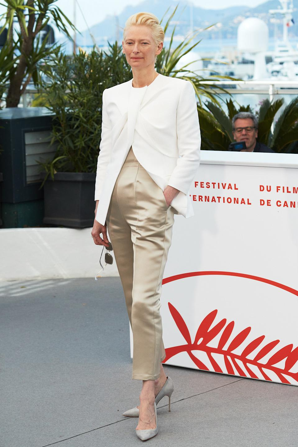 Wearing a two-tone trouser suit. <em>[Photo: Getty]</em>
