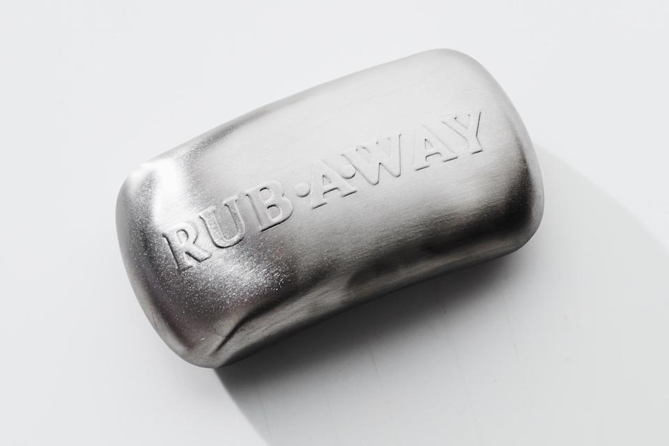"""<h1 class=""""title"""">cleaning tools Rub a Way Bar Stainless Steel Odor Absorber</h1><cite class=""""credit"""">Photo by Chelsea Kyle</cite>"""