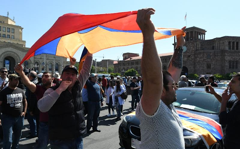 Demonstrators in Armenia warned of possible clashes with the authorities if a solution to the crisis is not found quickly (AFP Photo/Vano Shlamov)