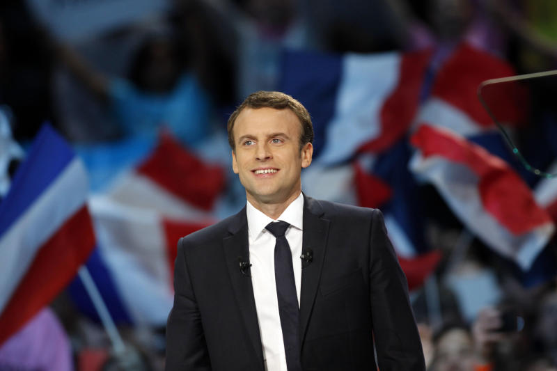 Macron Gets a Call From Obama as He Tries to Ride Momentum in French Election