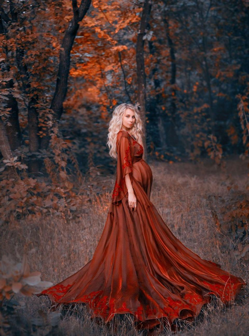 <p>If you live and breathe for dressing up on October 31, don't let your pregnancy cramp your style. Look every bit the woodland fairy with this ethereal ensemble, which, if you know your way around a sewing machine, you can remake for yourself. <br></p>