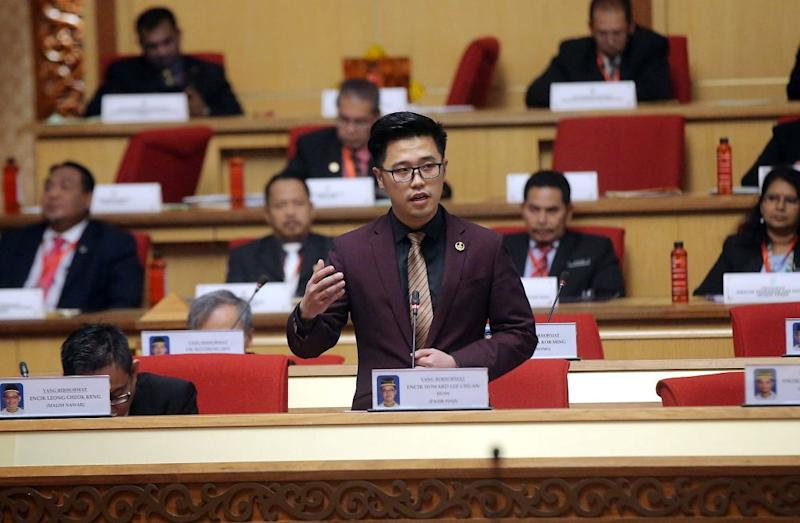State Youth, Sports and Human Development Committee chairman Howard Lee Chuan How addresses the Perak state assembly in Ipoh April 23, 2019. — Picture by Farhan Najib