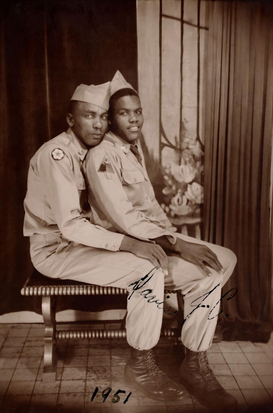"""""""We hope that our book will reinforce, renew or instill for the first time the belief that love is real and worth fighting for,"""" Nini and Treadwell told HuffPost. This photois labeled as""""Davis and J.C."""" and is believed to have been taken in 1951. (Photo: Courtesy of the Nini-Treadwell Collection © """"Loving"""" by 5 Continents Editions)"""