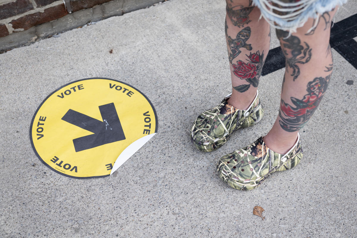 'People are giving up voting because lines are too long': Canadians gripe over struggle to vote in COVID-19 conditions, while others are thankful