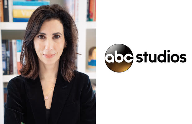 'Crazy Ex-Girlfriend' Co-Creator Aline Brosh McKenna Signs Overall Deal With ABC Studios