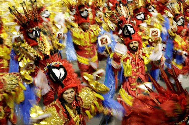 <p>Revellers from the Tom Maior Samba School take part in a carnival celebration at Anhembi Sambadrome in Sao Paulo, Brazil, Feb. 10, 2018. (Photo: Paulo Whitaker/Reuters) </p>