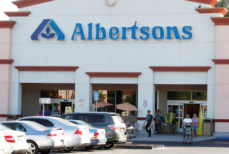 U.S. grocer Albertsons expects IPO to raise up to $1.3 billion