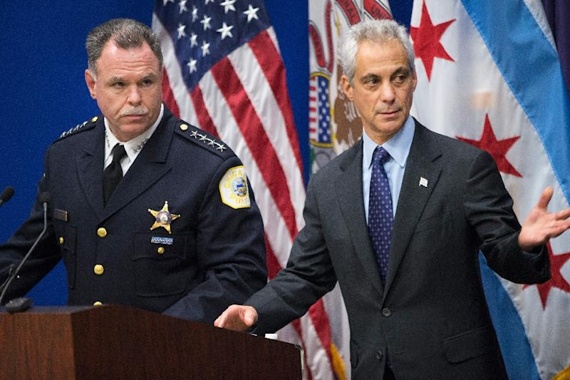 Chicago Police Superintendent Garry McCarthy (L) and Mayor Rahm Emanuel arrive for a press conference to address the arrest of Chicago Police officer Jason Van Dyke on November 24, 2015 (AFP Photo/Scott Olson)