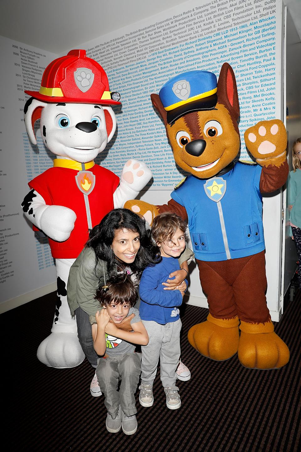 LONDON, ENGLAND - SEPTEMBER 30:  Konnie Huq and her sons Covey Brooker Huq and Huxley Brooker Huq attend a BAFTA screening of PAW Patrol Mission PAW: Quest for the Crown before the episode premieres on Nick Jr on Monday 2nd October at BAFTA on September 30, 2017 in London, England.  (Photo by Tristan Fewings/Tristan Fewings/Getty Images for Nickelodeon)