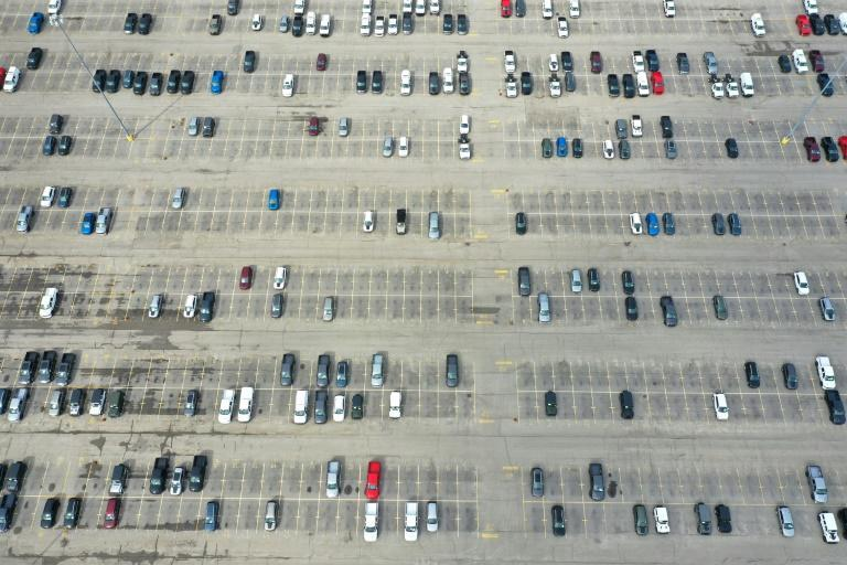 The European Union, Japan and United States exported around three million used vehicles each year between 2015 and 2018, with most going to low- and middle-income countries and more than half ending up in Africa