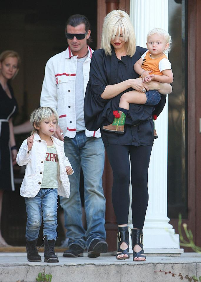 """Gwen Stefani showed off her new 'do while out and about with her hubby Gavin Rossdale and their blond babies Kingston and Zuma on Saturday. GarciaJr/<a href=""""http://www.x17online.com"""" target=""""new"""">X17 Online</a> - May 22, 2010"""