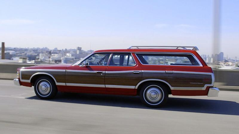 Comedians in Cars Getting Coffee Jerry Seinfeld, Sarah Jessica Parker and 1976 Ford LTD Country Squire Wagon