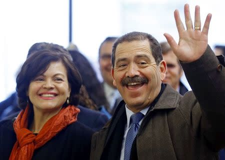 "Chicago Mayoral candidate Jesus ""Chuy"" Garcia and his wife Evelyn arrive at a restaurant for lunch, on election day in Chicago, Illinois, February 24, 2015.  REUTERS/Jim Young"