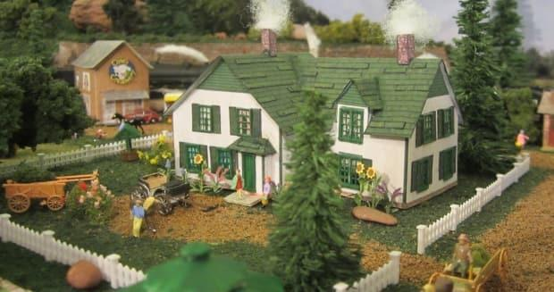Émiline Filion estimates she has spent around 800 hours working on the Avonlea village model, which includes Green Gables House. (Submitted by  Émiline Filion - image credit)