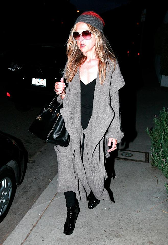 """If Rachel Zoe wants to maintain her """"stylist-to-the-stars"""" title, perhaps she should consider putting in some effort when it comes to getting dressed in the morning. <a href=""""http://www.x17online.com"""" target=""""new"""">X17 Online</a> - December 13, 2008"""