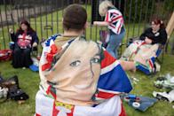 Royal fans gather outside Kensington Palace (Getty Images)
