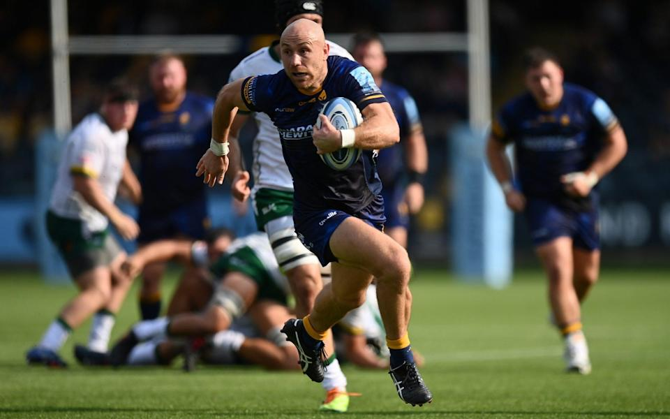 Willi Heinz of Worcester Warriors makes a break to score his sides's second try during the Gallagher Premiership Rugby match between Worcester Warriors and London Irish at Sixways Stadium on September 18, 2021 in Worcester, England. - GETTY IMAGES