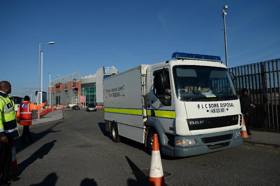 A British Army Bomb Disposal Unit truck leaves Old Trafford stadium in Manchester, after the Manchester United-Bournemouth match was abandoned (AFP Photo/Oli Scarff)