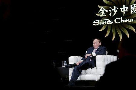 Gambling giant Las Vegas Sands Corp's Chief Executive Sheldon Adelson smiles during a news conference in Macau, China December 18, 2015. REUTERS/Tyrone Siu