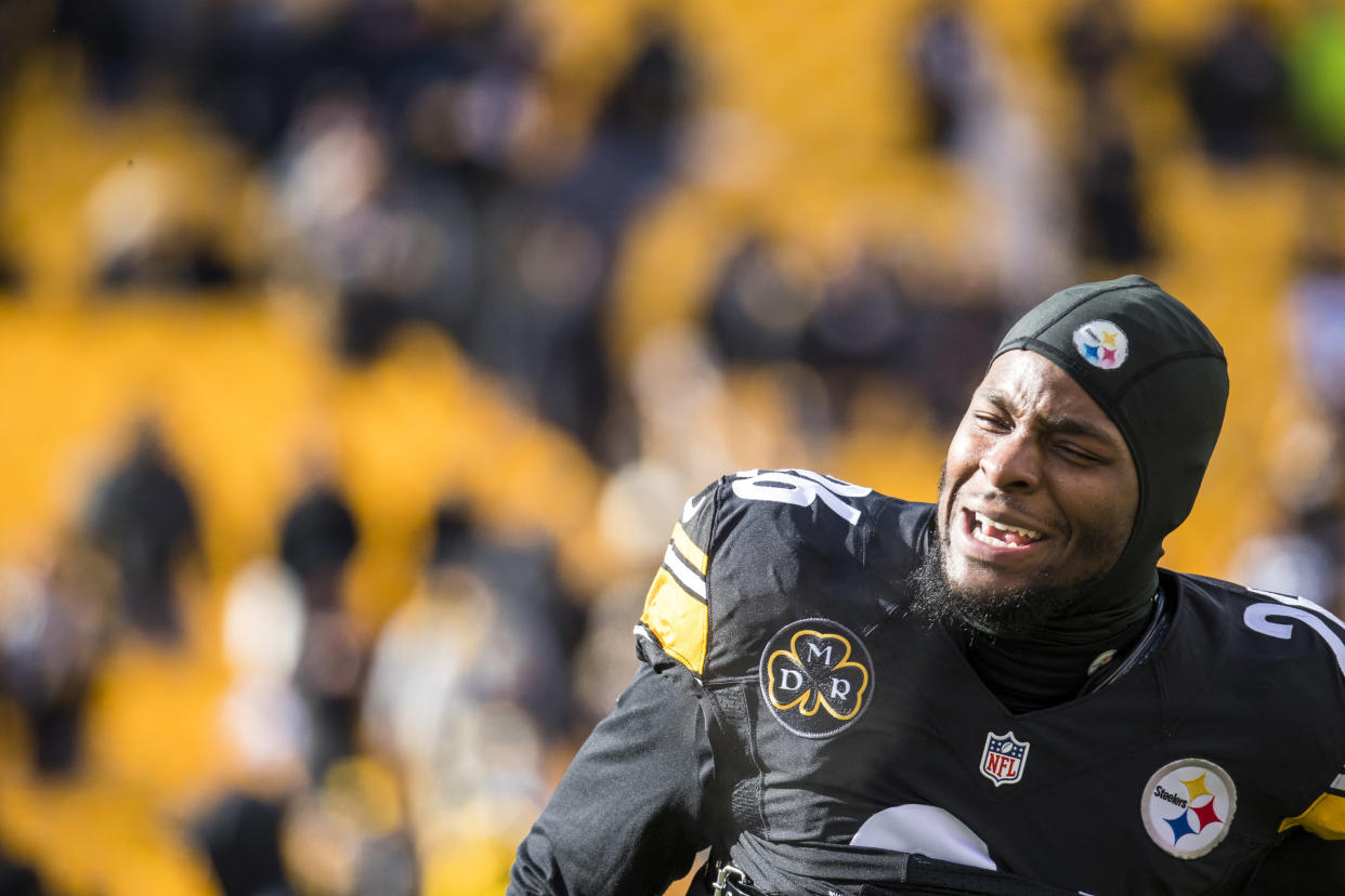 Le'Veon Bell won't play a down of football in 2018 for the Pittsburgh Steelers as he and the team couldn't resolve their contractual dispute. (Getty)