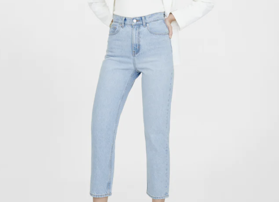 Water Neutral Skinny Light Wash Jeans. (PHOTO: Pomelo)