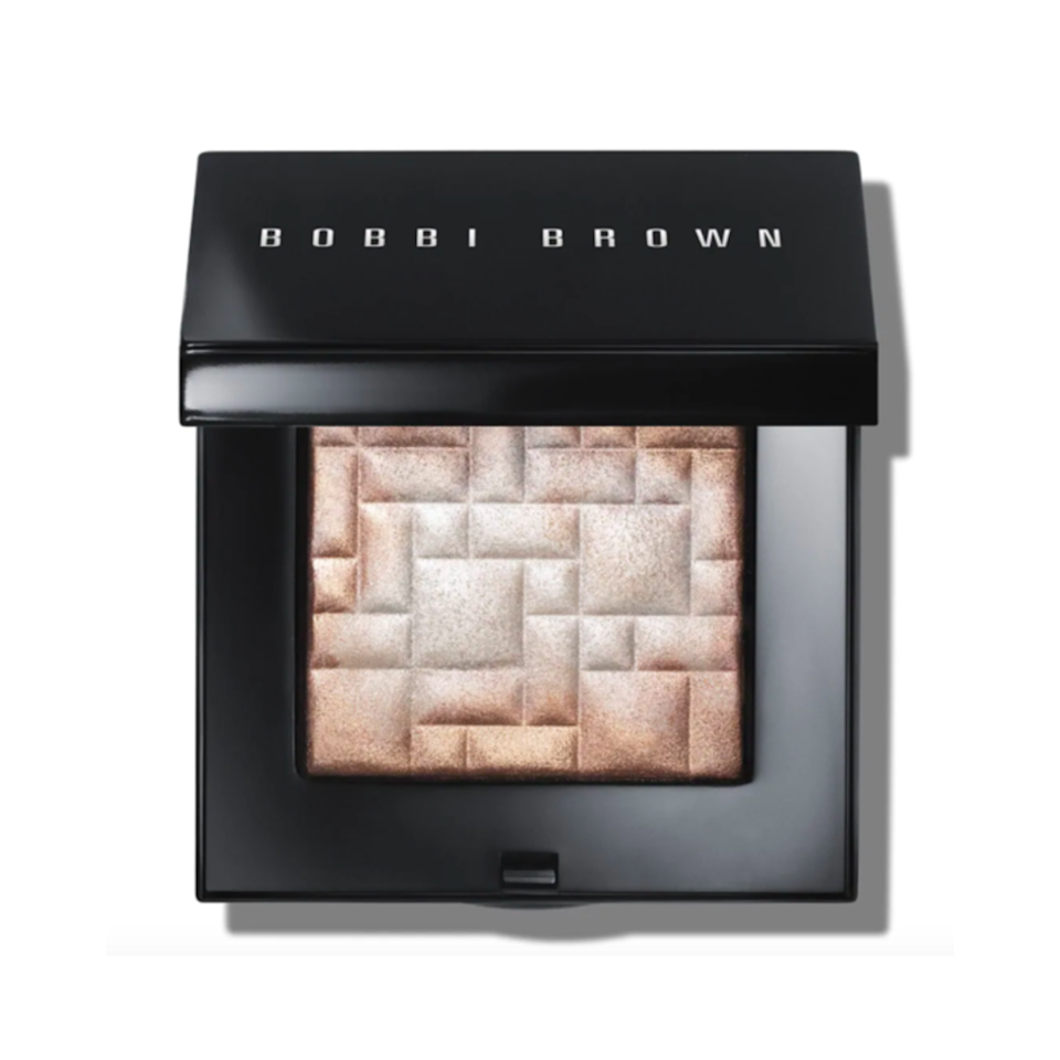 Bobbi Brown has done highlighter right for a while, and this illuminating powder is certainly no exception. The pearl-infused shimmer power comes in seven shades that'll make a wide range of skin tones glow just right. The hybrid gel-powder formula has moisturizing glycerin, which will help keep the product from caking up on the skin throughout the day. An ideal makeup bag addition for the glow-getting graduate who likes to set it and forget it.