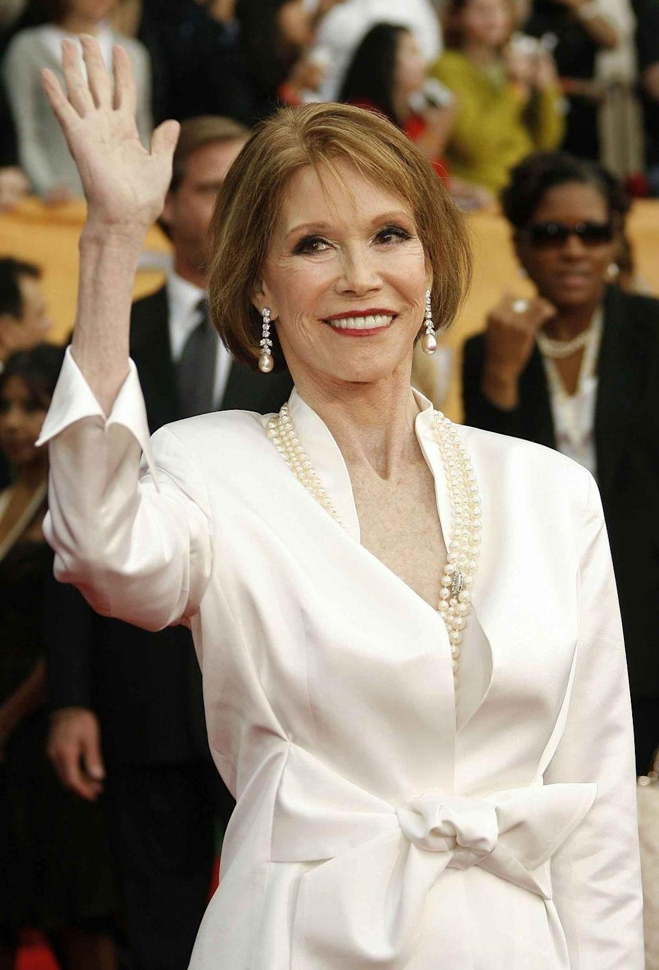 <p>Moore arrives at the 13th Annual Screen Actors Guild Awards.</p>