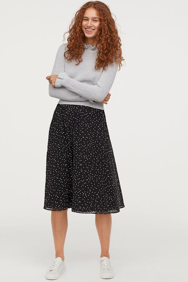 """<p><strong>H&M</strong></p><p>hm.com</p><p><strong>$24.99</strong></p><p><a href=""""https://go.redirectingat.com?id=74968X1596630&url=https%3A%2F%2Fwww2.hm.com%2Fen_us%2Fproductpage.0715126009.html&sref=http%3A%2F%2Fwww.oprahmag.com%2Fstyle%2Fg28188946%2Fcute-sweaters-for-fall%2F"""" target=""""_blank"""">SHOP NOW</a></p><p>Thanks to ruffled trim at the neckline and the cuffs, this gray wardrobe basic is a step up from your average fall sweater. </p>"""
