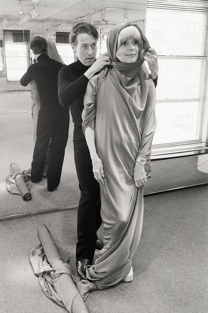 <p>Halston worked with Carol Channing to create a wardrobe for her revival of <em>Hello, Dolly.</em></p>