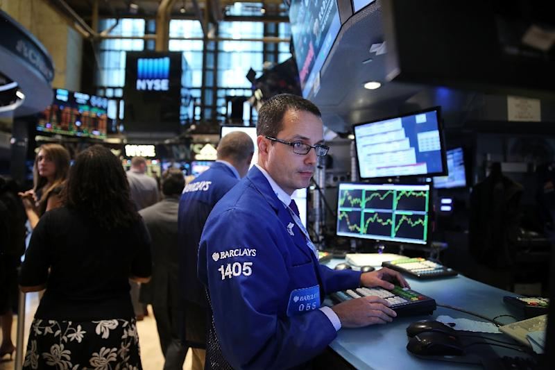 US stocks slipped on Thursday following a torrent of mostly solid earnings reports from companies such as General Motors and United Airlines