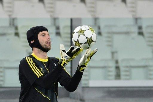 Chelsea goalkeeper Petr Cech, pictured, says Rafael Benitez must be given a chance to make his mark at the club