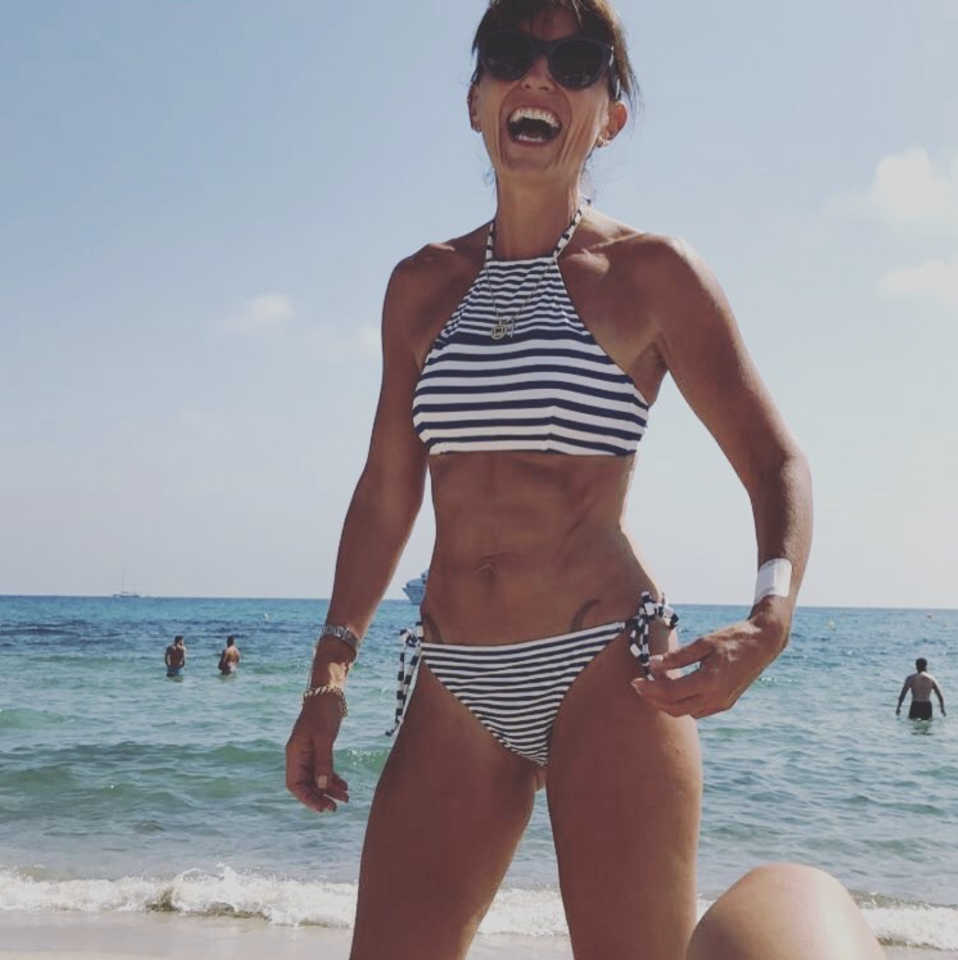 <p>Dayuuumn Davina! We mean, she has better abs than most 20-year-olds and she's 49. <em>[Photo: Davina McCall/ Instagram]</em> </p>