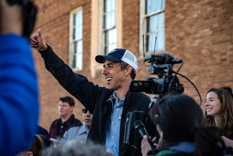 Trump and O'Rourke Duel Over Wall as Lawmakers Reach Agreement