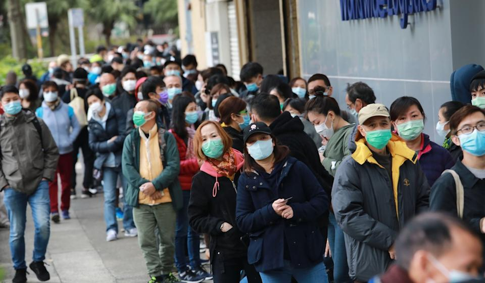 Hongkongers desperate for masks have turned to dubious online sources, with more than 100 saying they have been scammed. Photo: May Tse