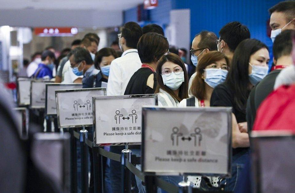 Potential homebuyers queuing up at New World Development's sales office in Tsuen Wan to bid for 396 apartments of The Pavilia Farm project in Tai Wai on November 22, 2020. Photo: Jonathan Wong