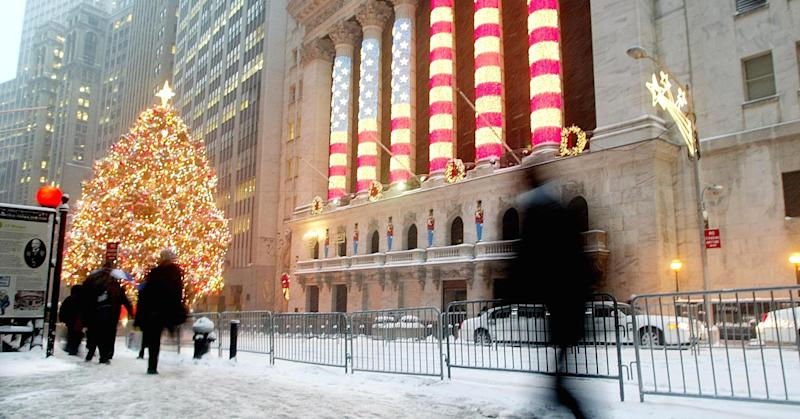 Wall Street set for a positive open amid thin holiday trade