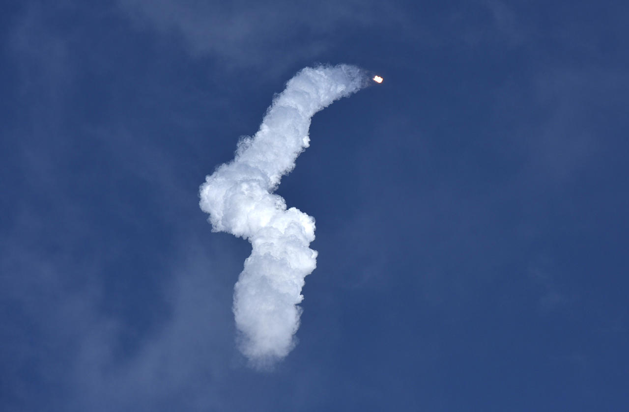 <p>A SpaceX Falcon Heavy rocket leaves a smoke trail behind after lifting off from historic launch pad 39-A at the Kennedy Space Center in Cape Canaveral, Fla., Feb. 6, 2018. (Photo: Steve Nesius/Reuters) </p>