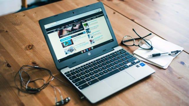 The HP Chromebook 11-v031nr is the best laptop you can buy for under $200, right now.