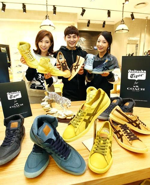 more photos 2b147 4edf8 Onitsuka Tiger X Coach Collaboration Edition Is Now In Korea!