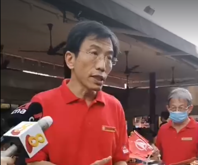 (SCREENSHOT: Singapore Democratic Party's Secretary General Chee Soon Juan speaking to the media at a walkabout in Bukit Batok on 28 June 2020/Facebook)