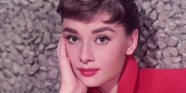 Beauty Throwback: It's All About the Pink and Red Lip