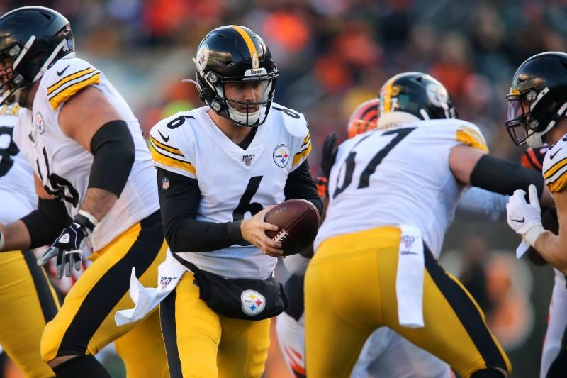 NFL notebook: Steelers make move to Hodges at QB