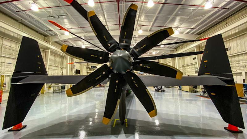 Army selects companies to continue in long-range assault aircraft competition