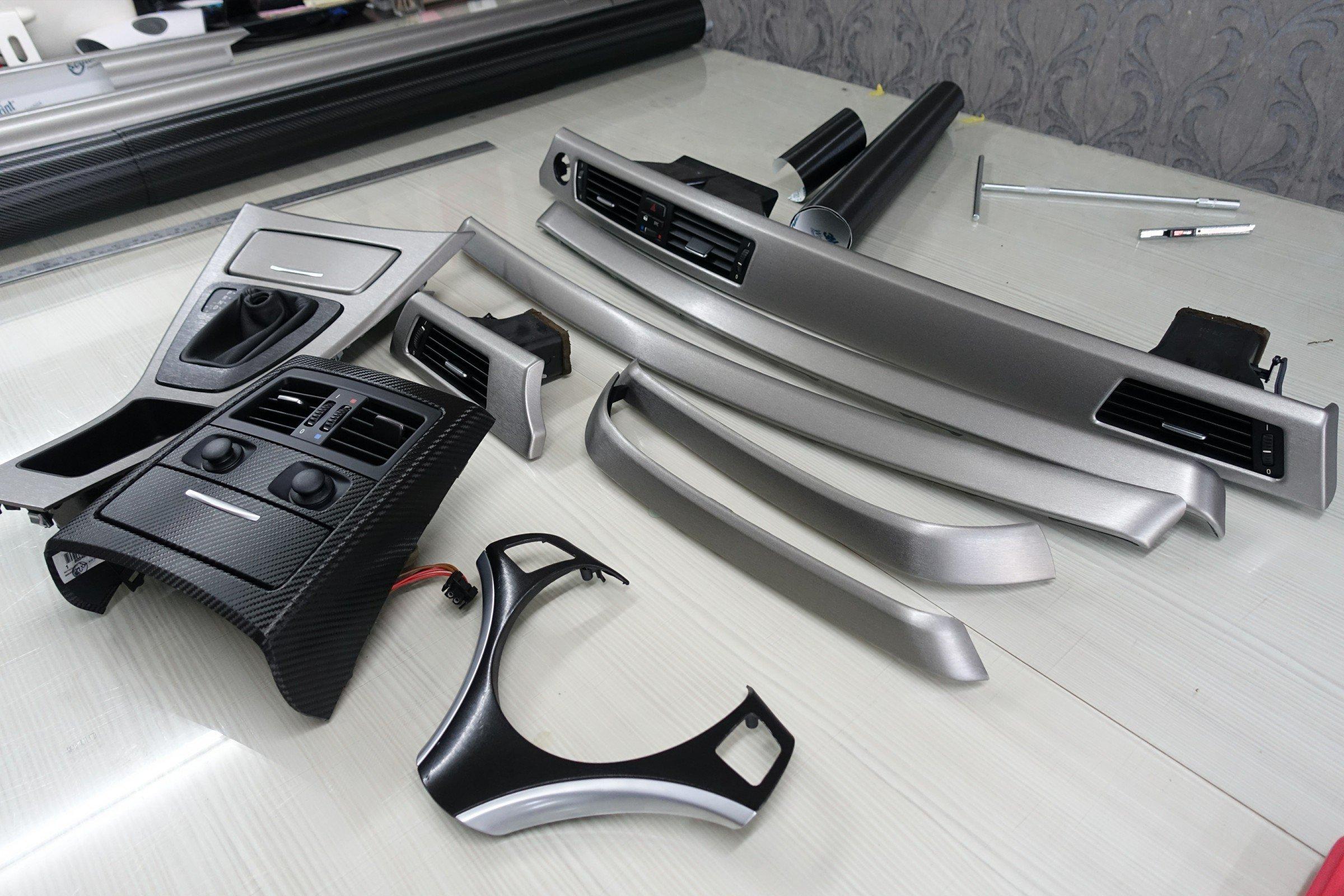 BMW 內裝貼膜 內飾板貼膜 髮絲紋內裝 核桃木貼膜 方向盤貼膜 環保漆貼膜 E90 E91 E92 E60 E70