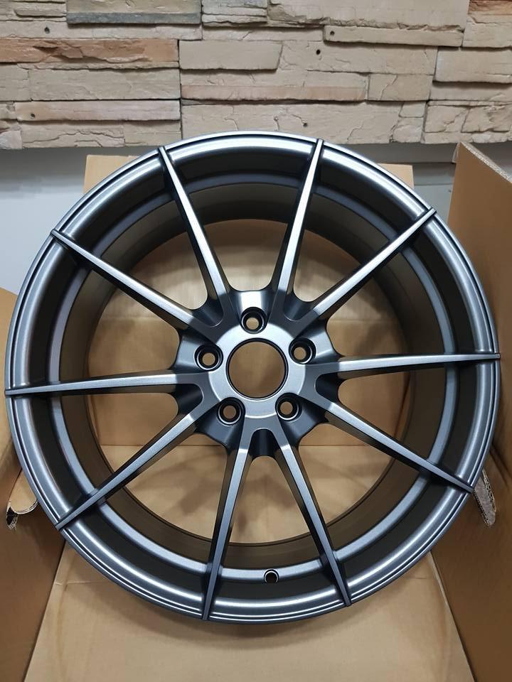 售 全新台製外銷鋁圈 19吋 5孔114.3 Et值40 8.5J