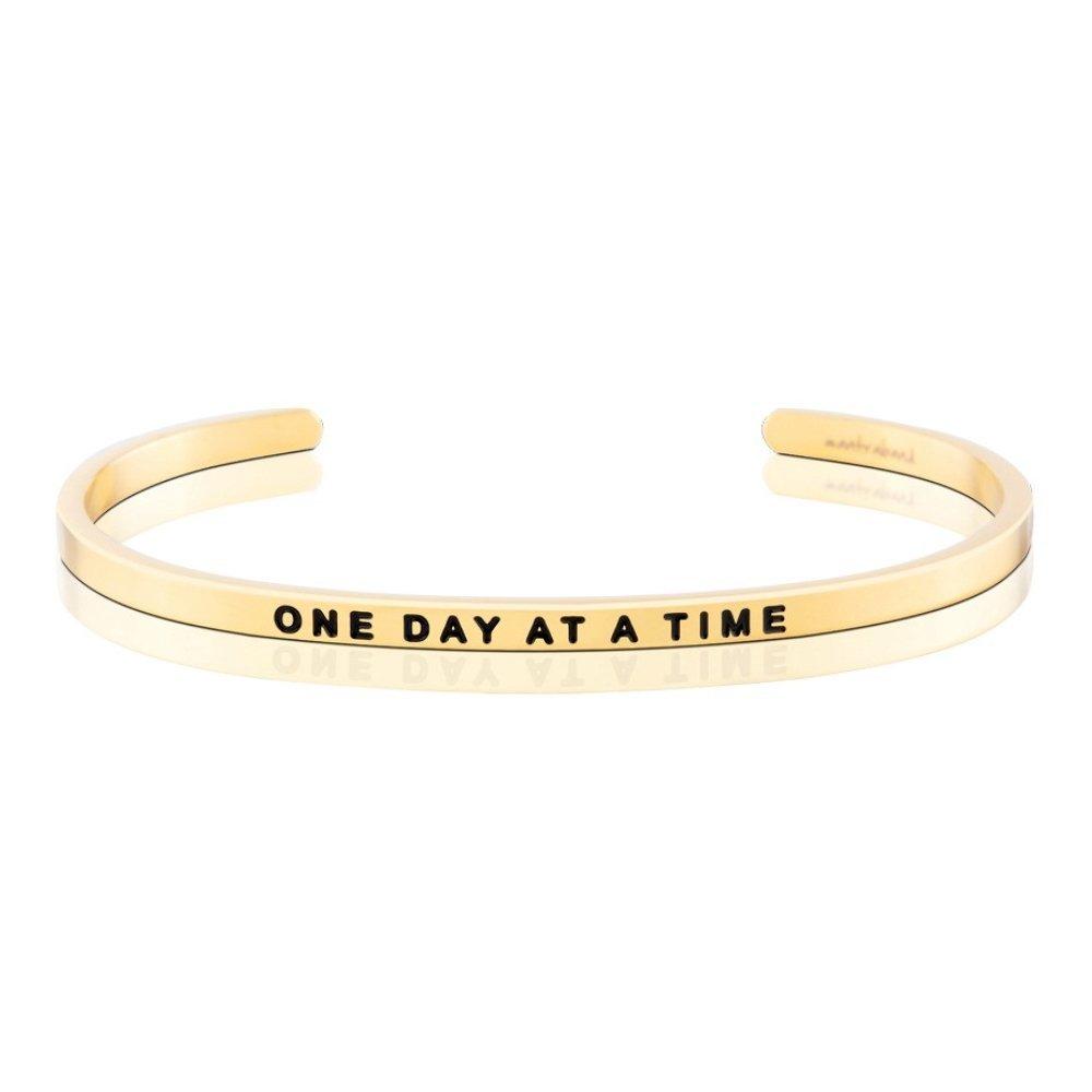 MANTRABAND 美國悄悄話手環 ONE DAY AT A TIME 認真過好每一天 金色手環