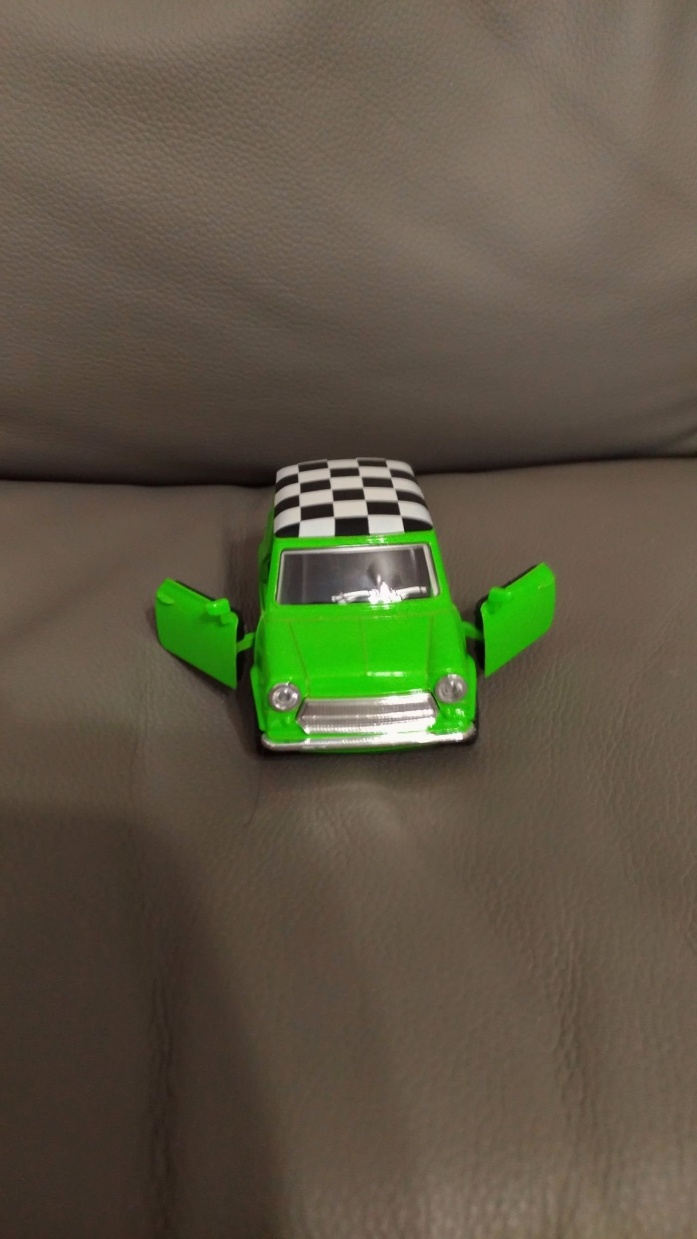 1:32 復古合金迴力車(車門可開)  迴力 美式復古車 車款可挑 顏色採