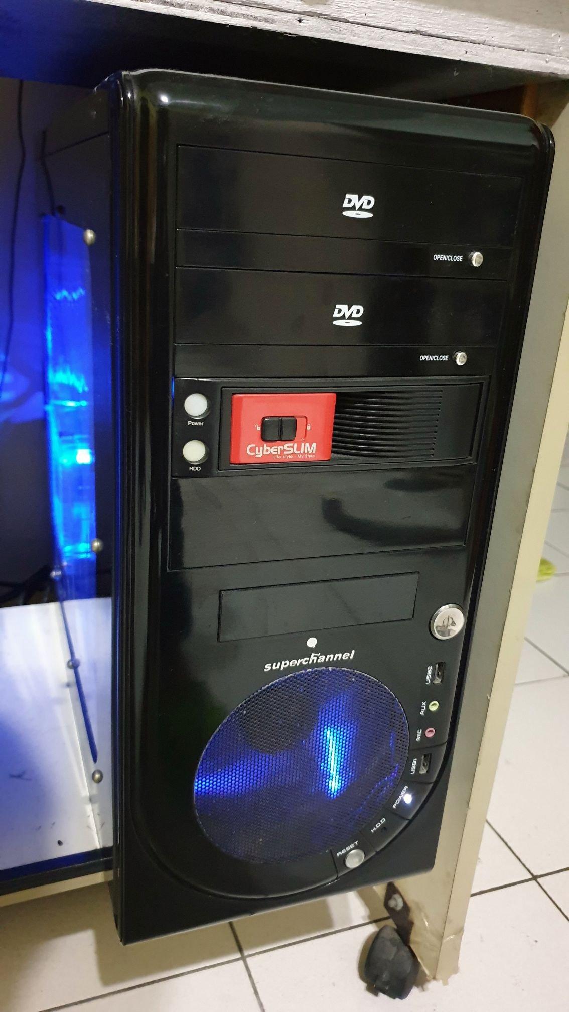 CPU-FX8320E+技嘉970A主機板+創見1600hz×16G記憶體+ssd-256g+顯示卡gtx950
