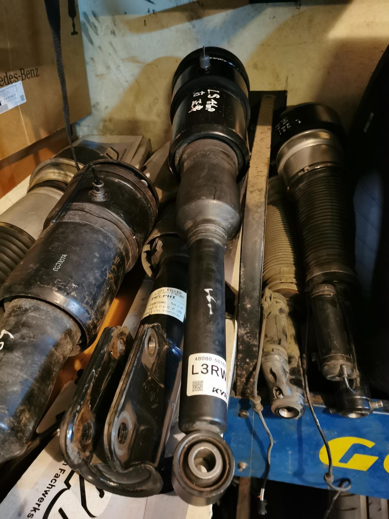 LEXUS LS460 氣壓避震器原廠中古左右後面 狀況良好